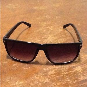 Sunglasses. Great condition!!!